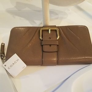 Coach 43109 Taupe Leather Accordian Wallet